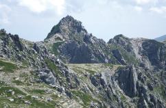 山岳遭難者2,794人